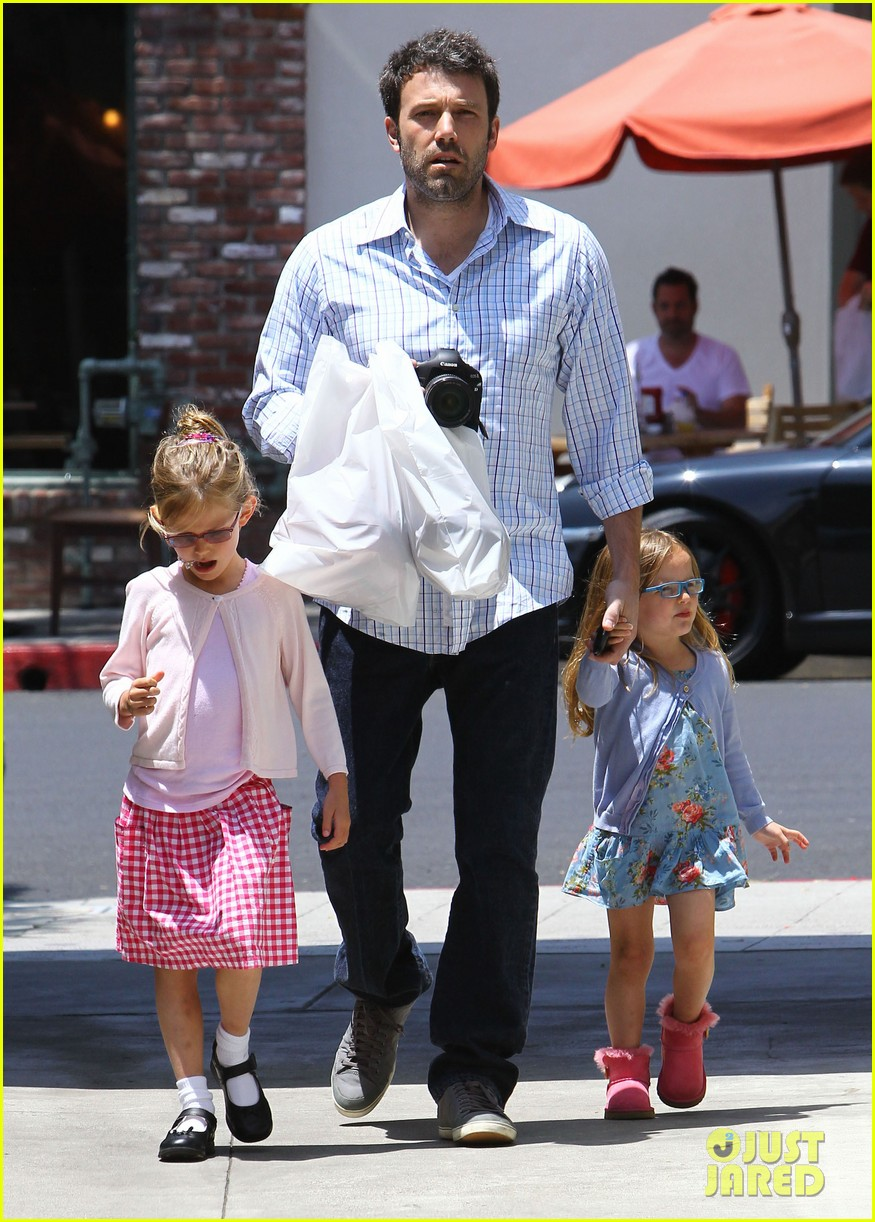 garner affleck family time 082670033