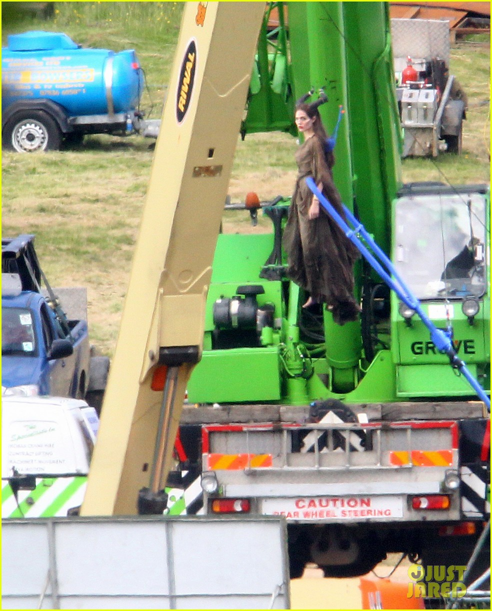 angelina jolie maleficent stunts 02