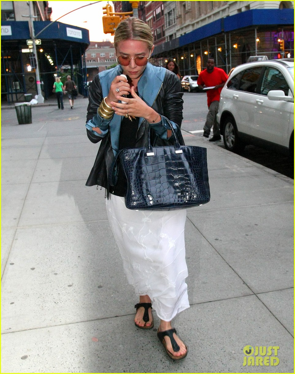 ashley olsen nyc stroll 09