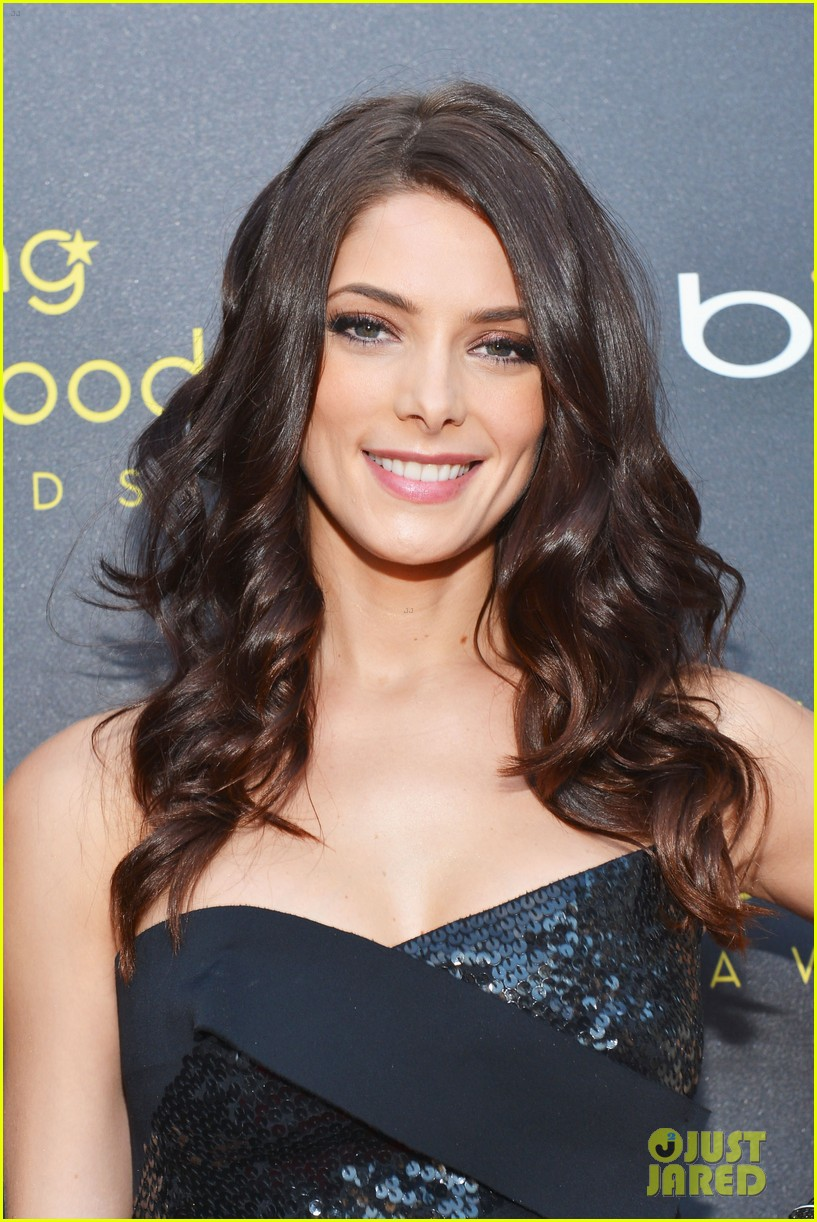 ashley greene young hollywood awards hailee steinfeld 07