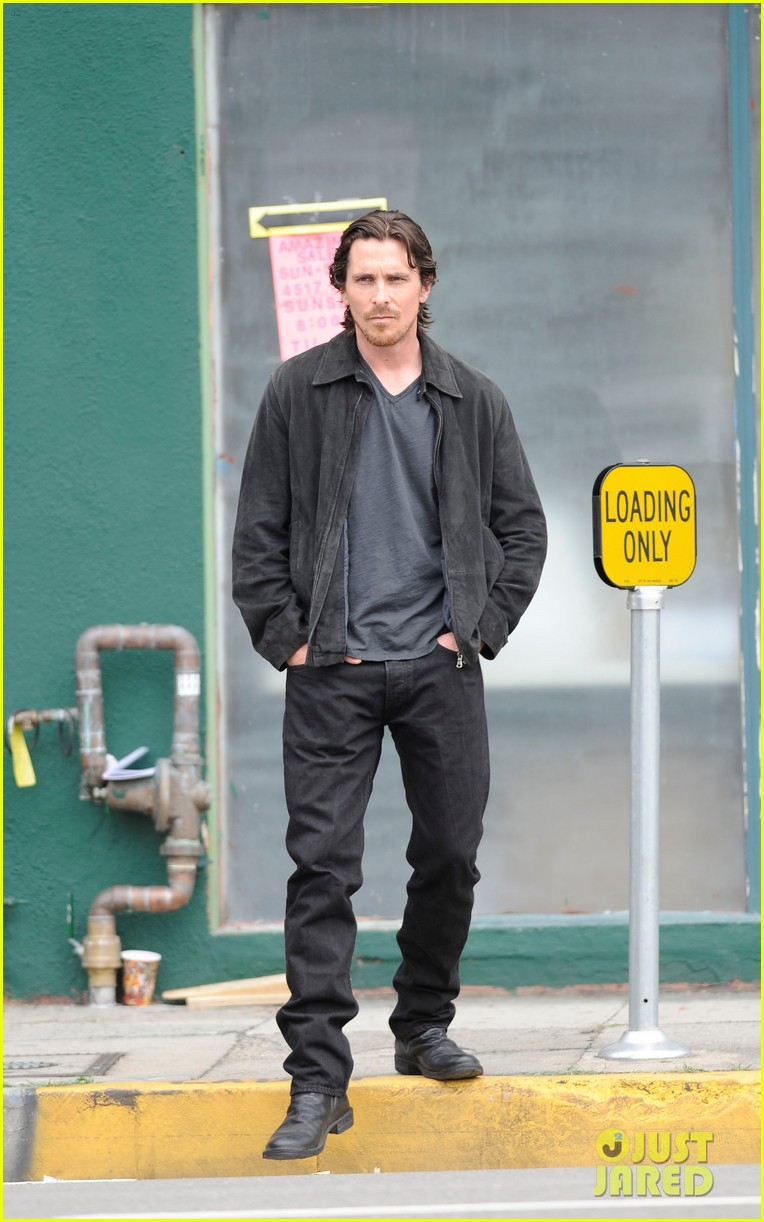 christian bale knight of cups 02
