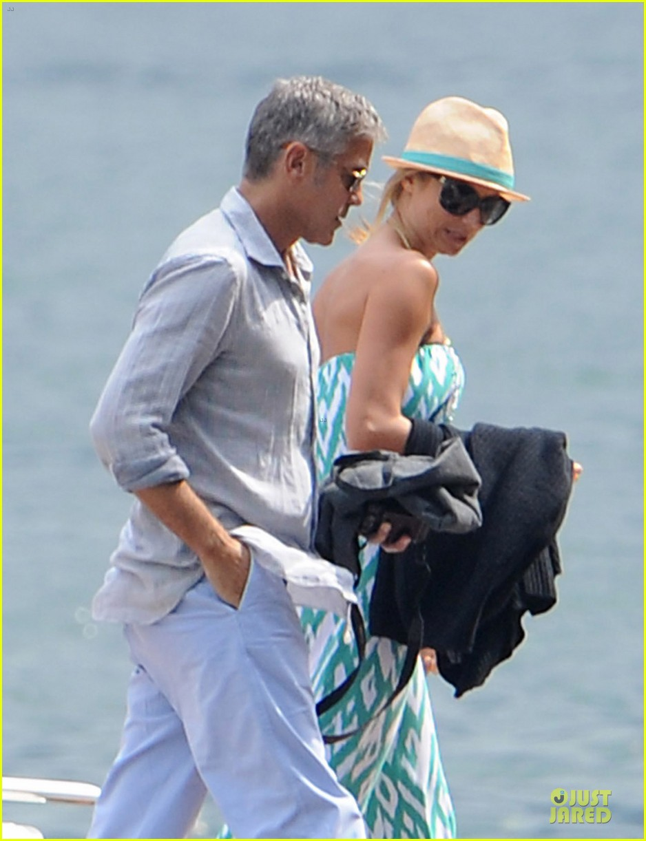 george clooney stacy keibler lake como cruise 01