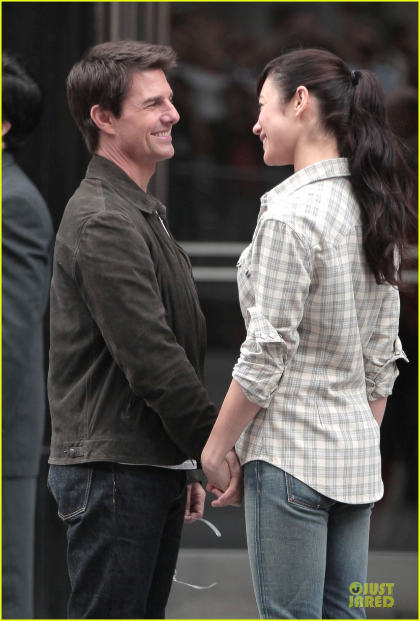 tom cruise suri olga kurylenko oblivion set 12