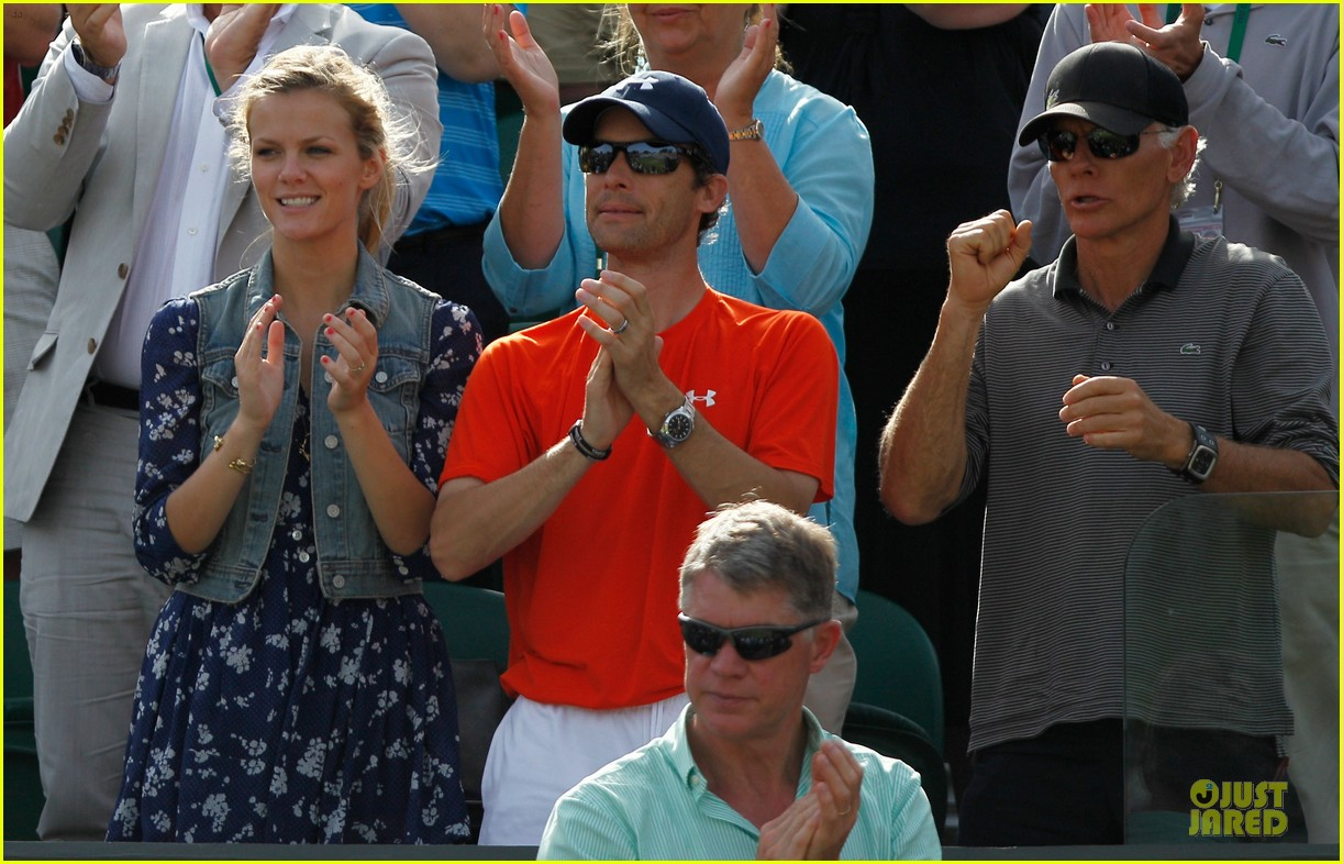brooklyn decker andy roddick wimebldon 05