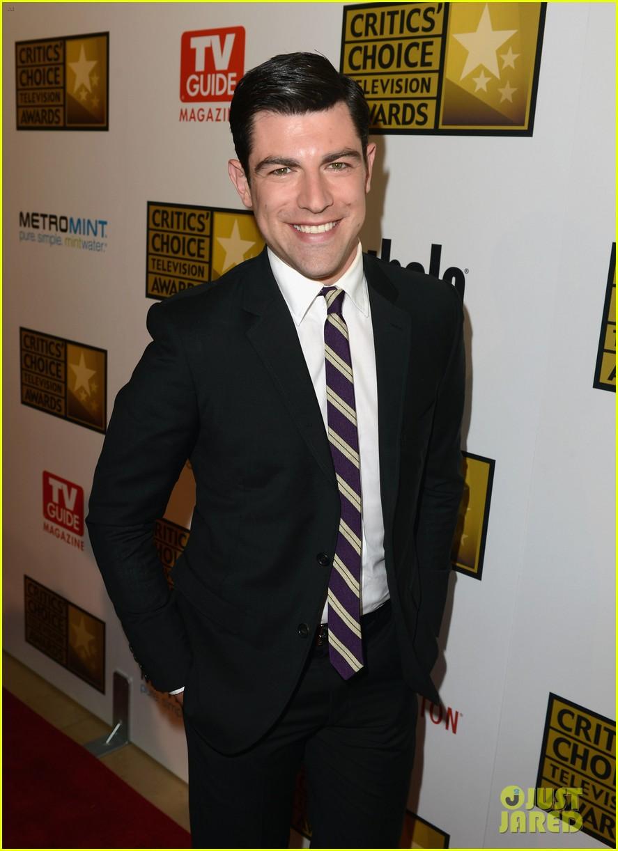 zooey deschanel critics choice television awards 2012 14