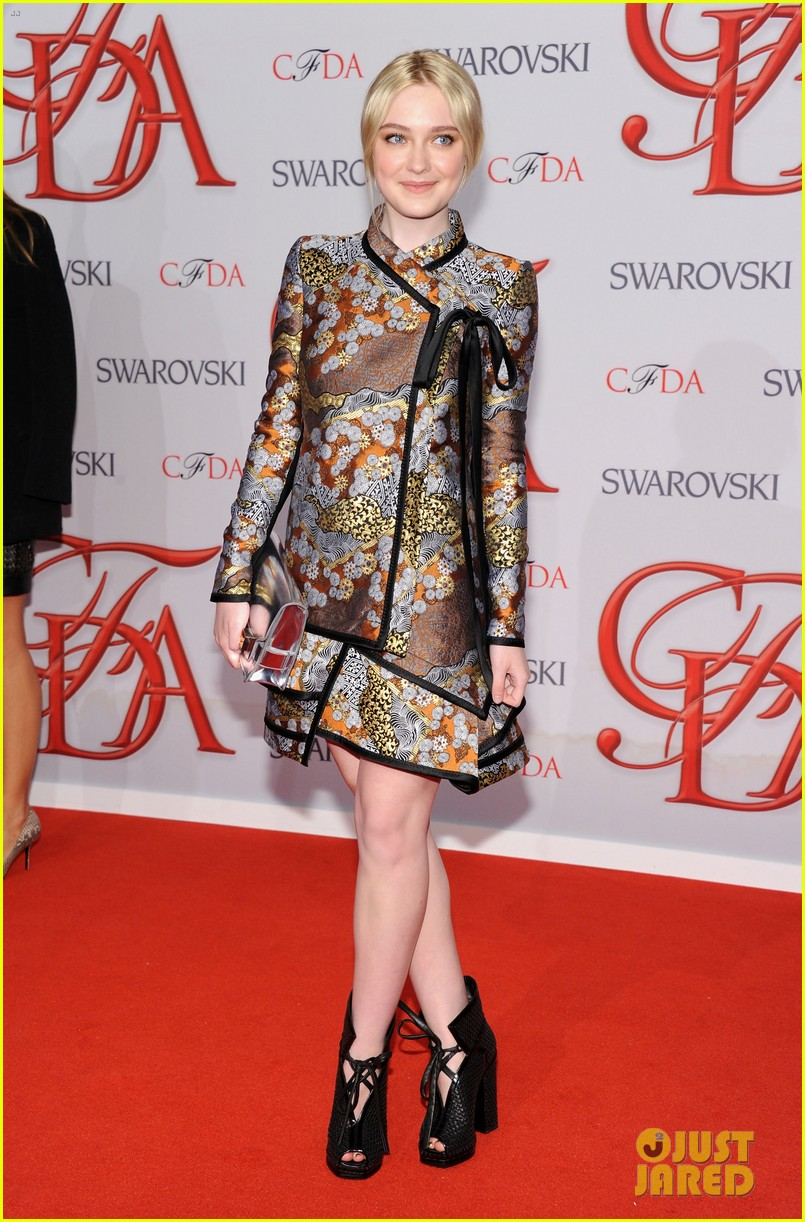 dakota fanning cfda fashion awards 2012 012670478