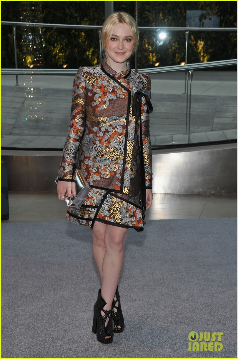 dakota fanning cfda fashion awards 2012 042670481