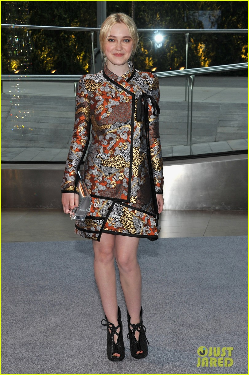 dakota fanning cfda fashion awards 2012 06