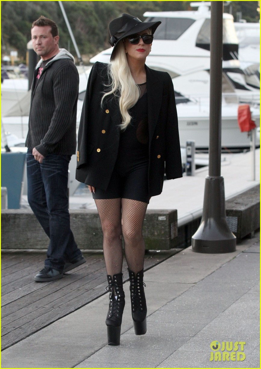gaga leaving lunch in sydney 01