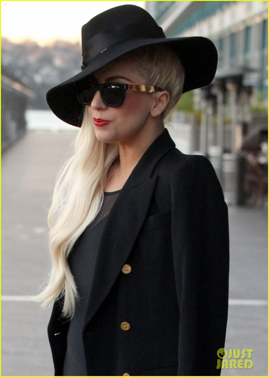 gaga leaving lunch in sydney 06
