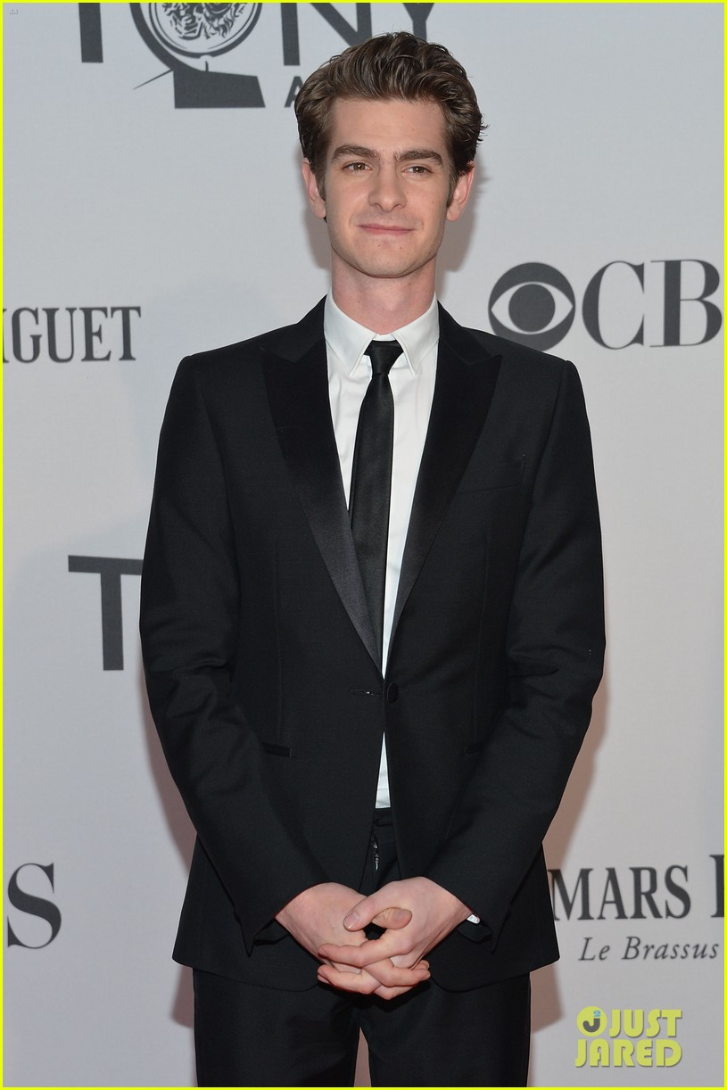 andrew garfield 2012 tony awards 01