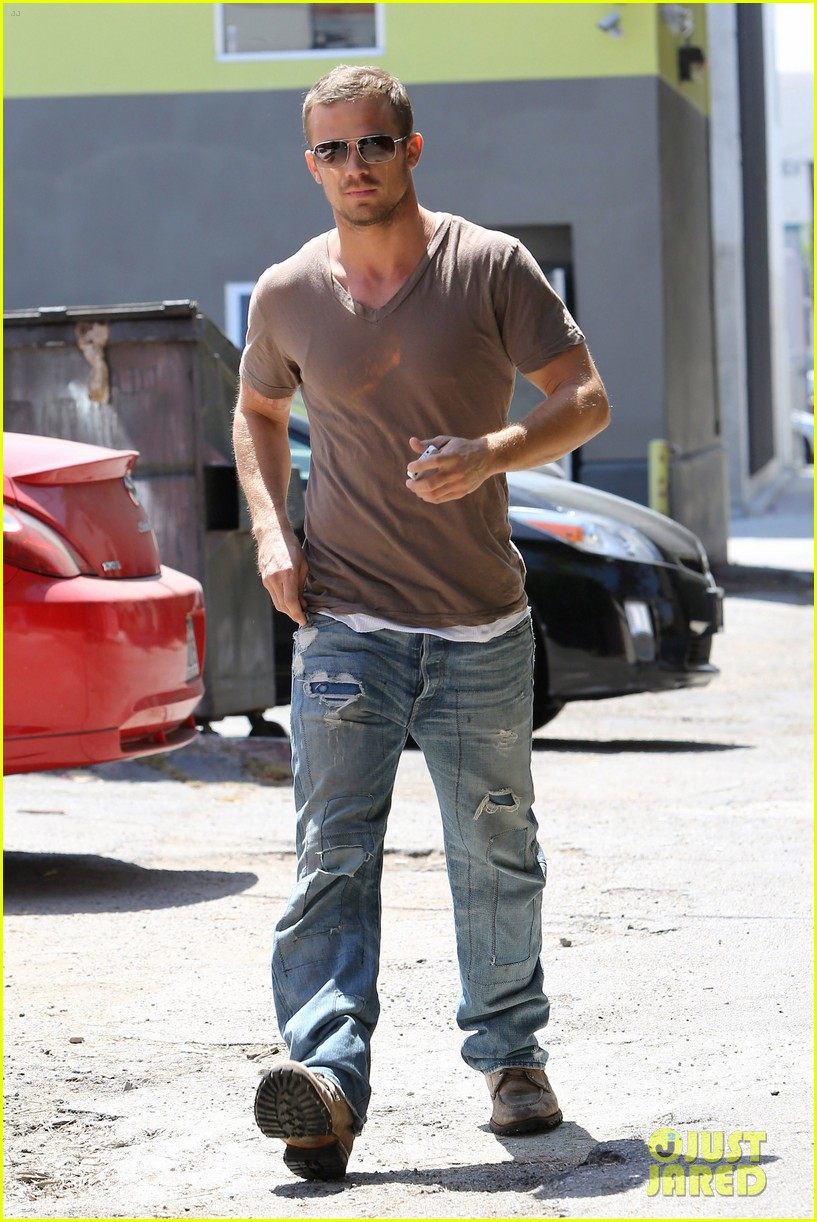cam gigandet toast lunch 06