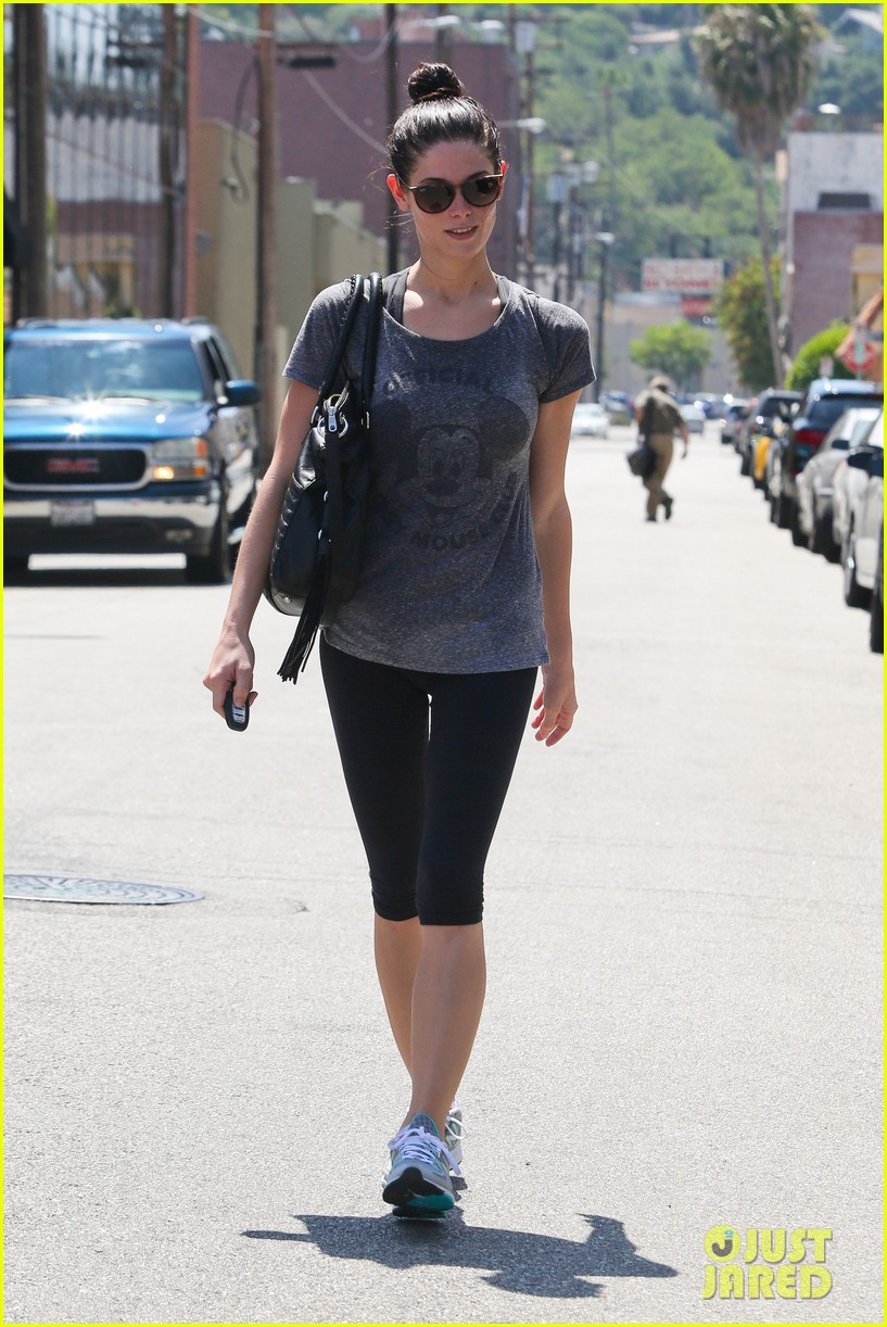 ashley greene workout 01