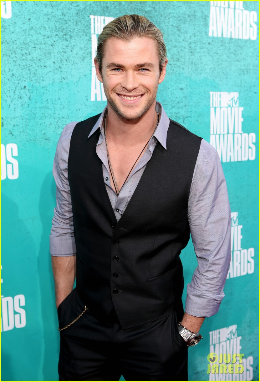hemsworth mtv awards 02