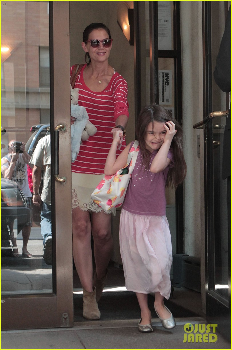 katie holmes suri early morning outing 06