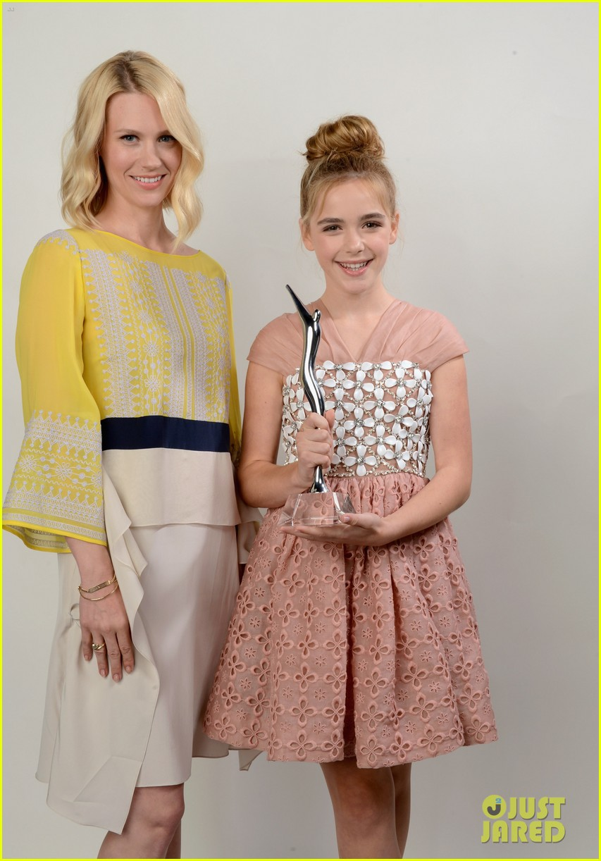 january jones young hollywood awards kiernan shipka 022675975