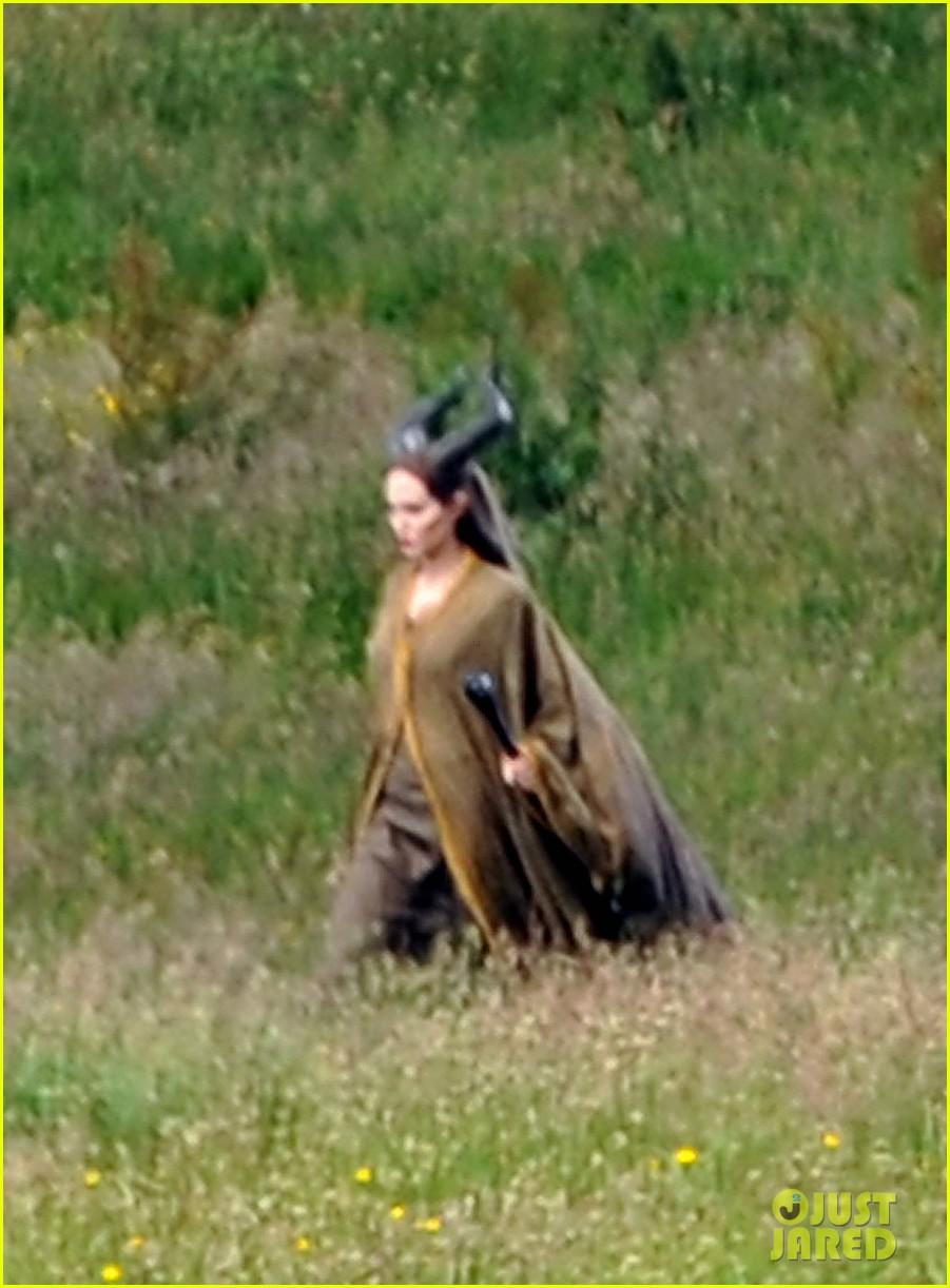 angelina jolie maleficent calvary scene 01