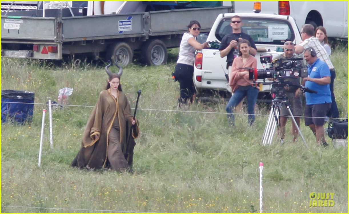 angelina jolie maleficent set england 05