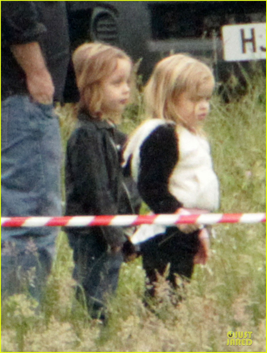 angelina jolie twins maleficent set 02