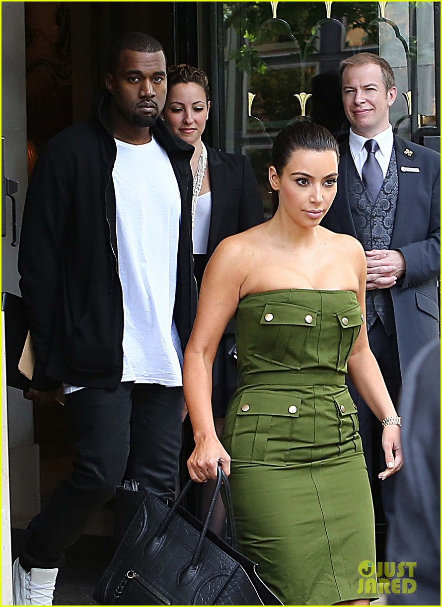kanye kim leaving paris hotel 10