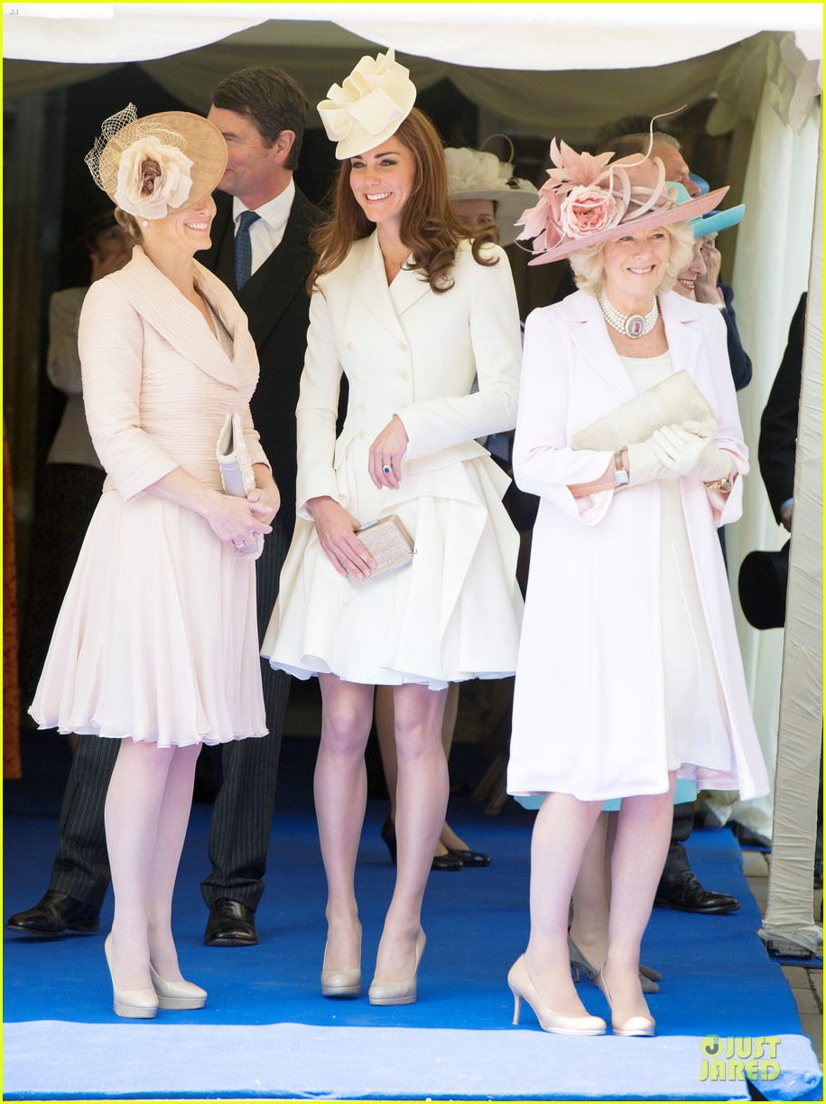 kate middleton order garter service 01