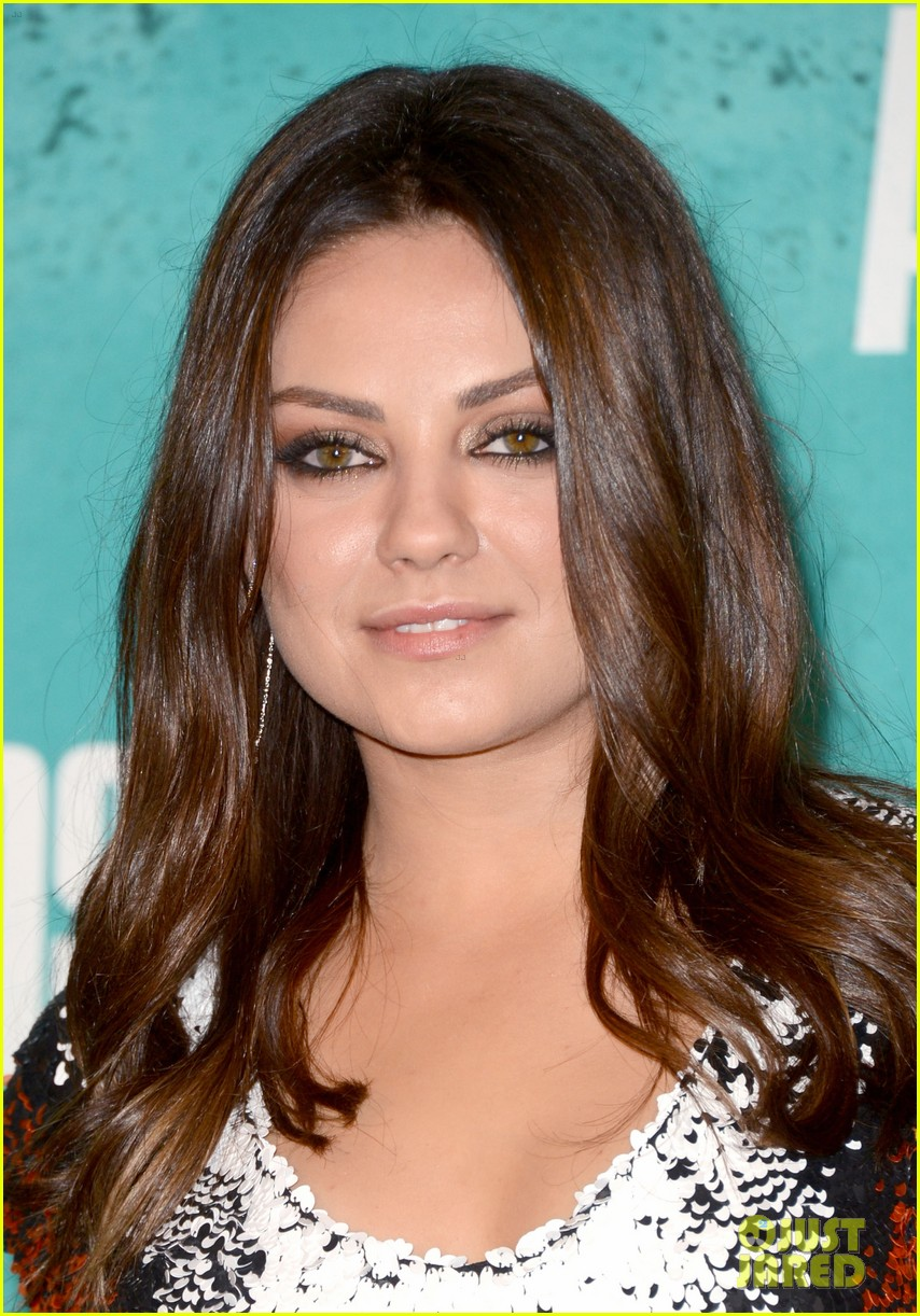 mila kunis mtv movie awards 2012 11