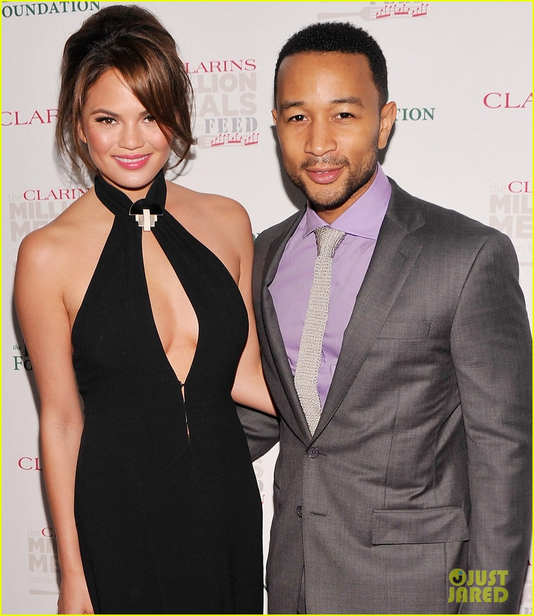 john legend chrissy teigen clarins million meals concert 01