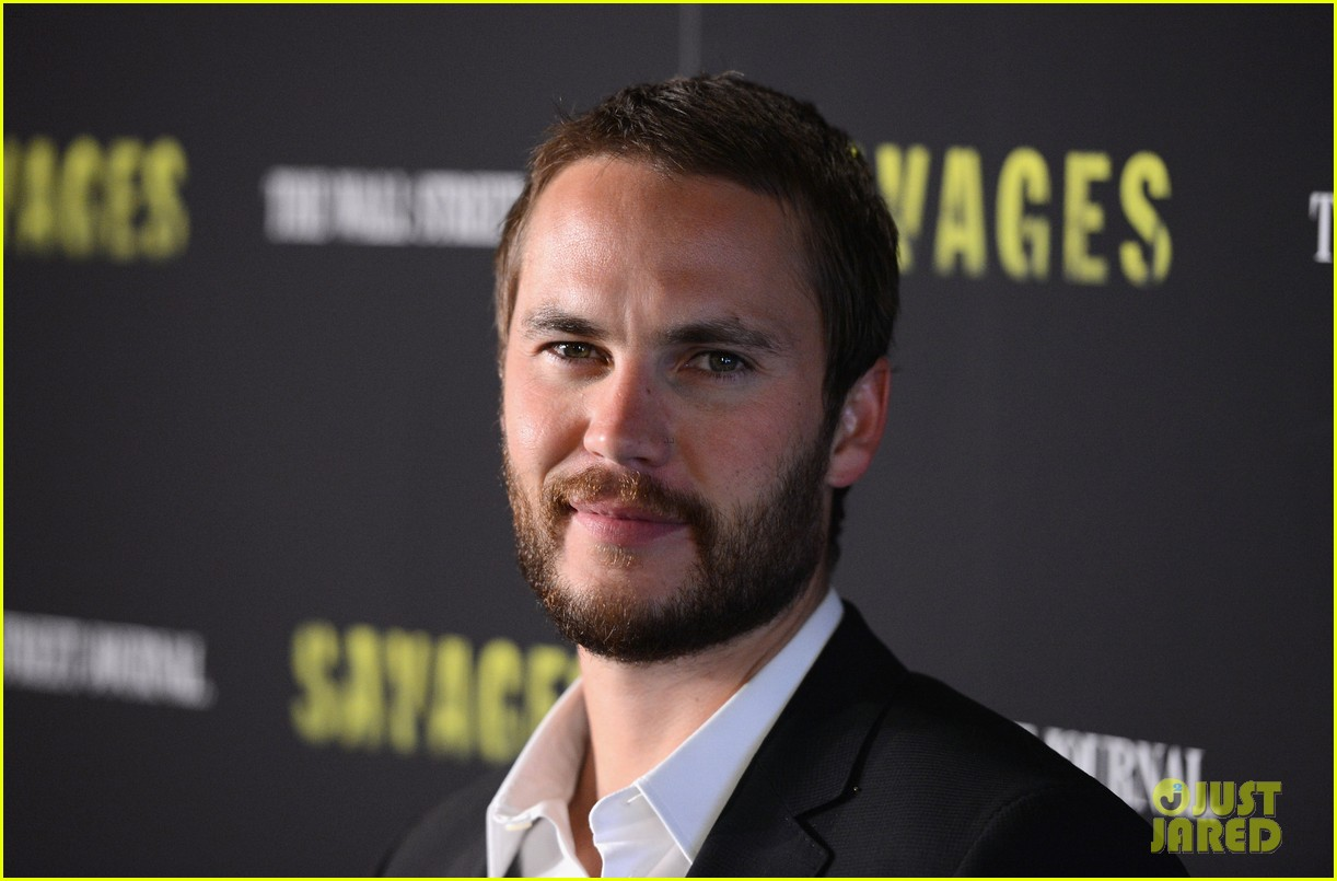blake lively taylor kitsch savages new york premiere 28