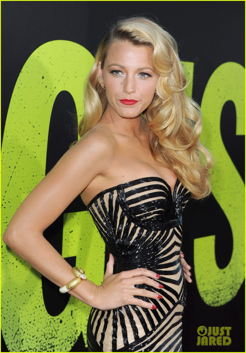 blake lively savages premiere 032679460