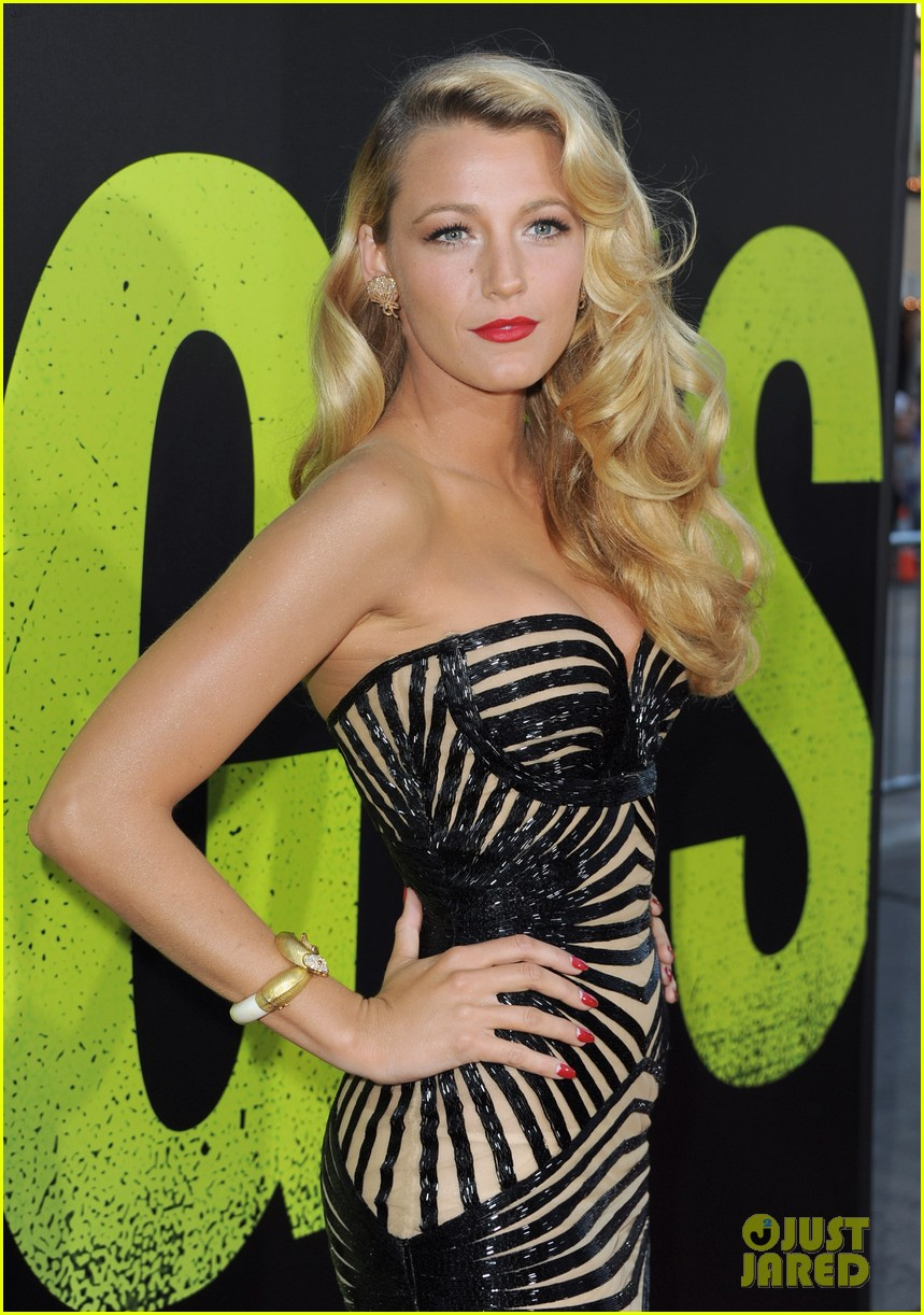 blake lively savages premiere 06
