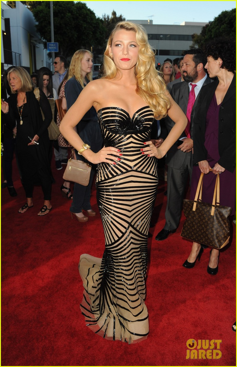 blake lively savages premiere 10