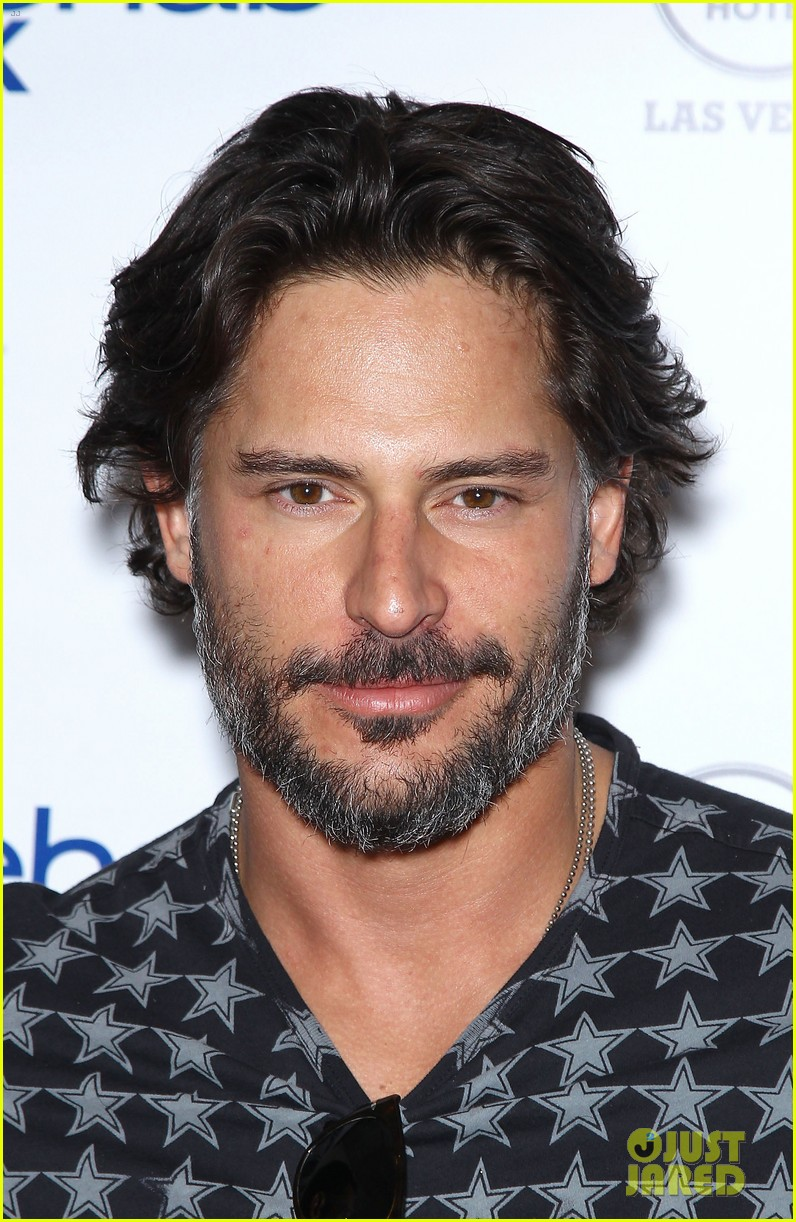 joe manganiello i love being able to tell a story physically 03