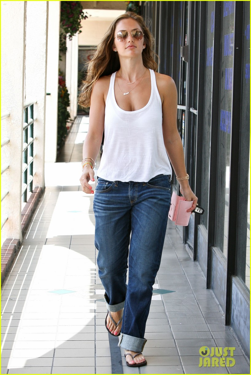 minka kelly busy week 09
