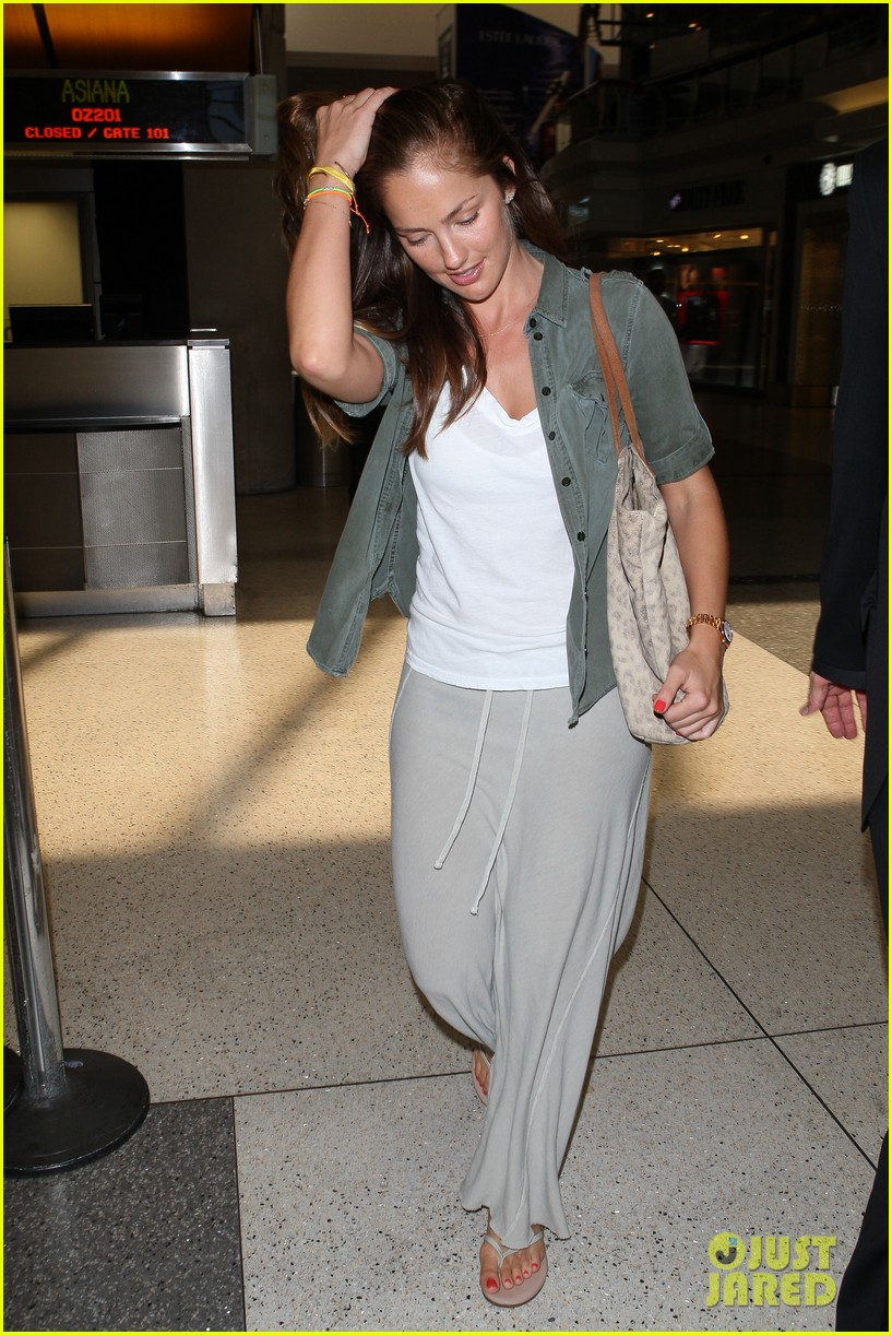 minka kelly lax parking ticket 01