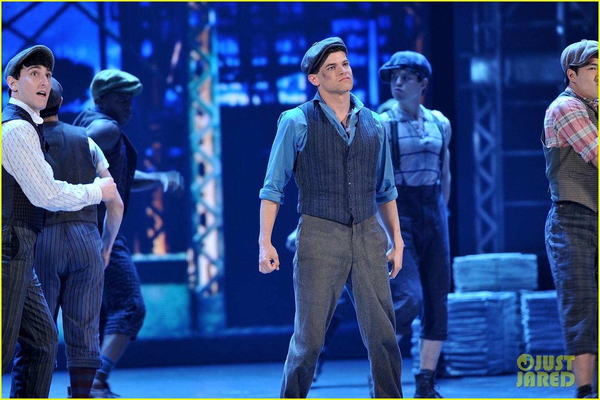 watch broadways newsies perform a