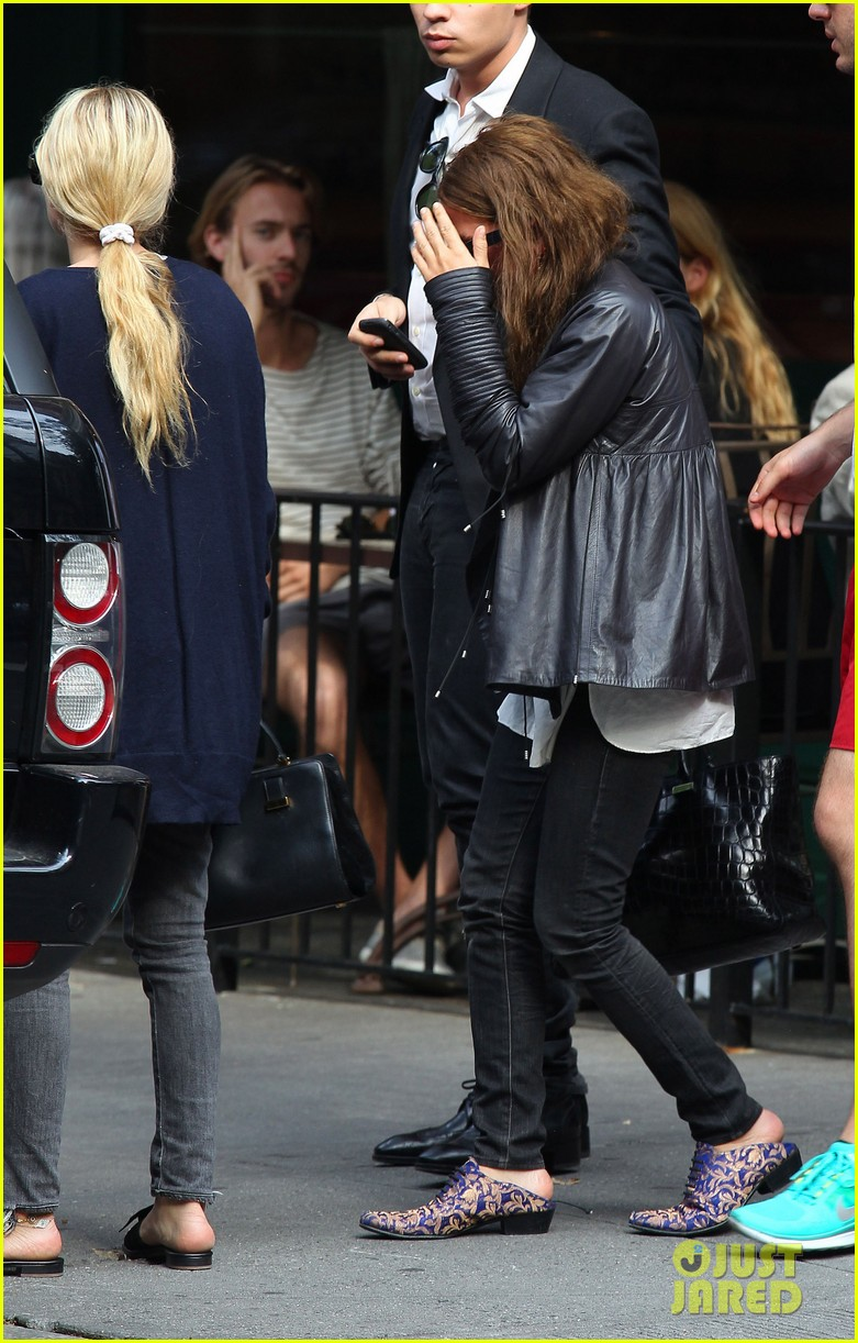 mary kate and ashley olsen out to lunch 022677123