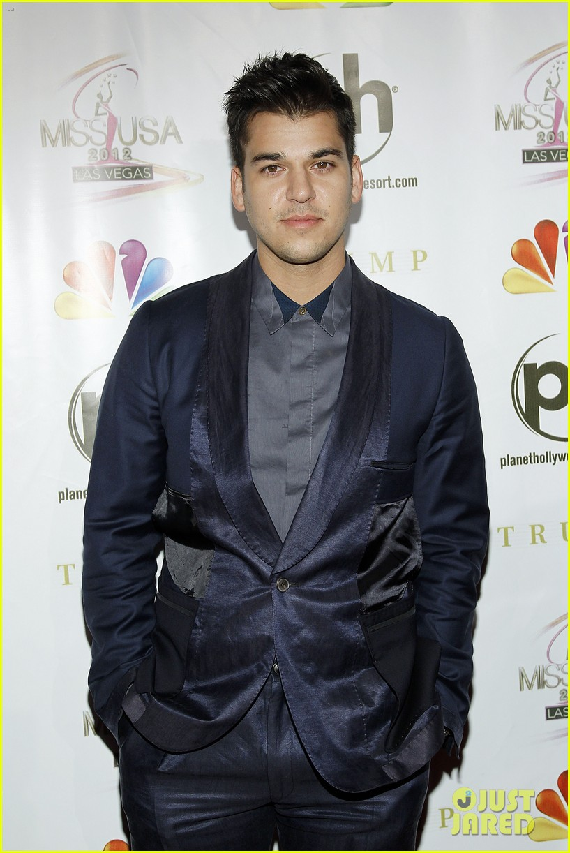kelly osbourne joe jonas miss usa 2012 16