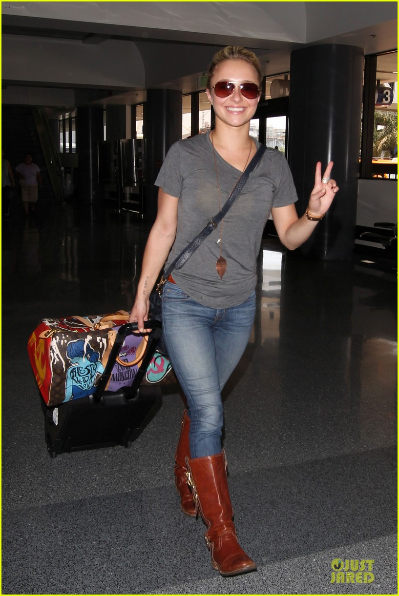 hayden panettiere peace out lax 012678210