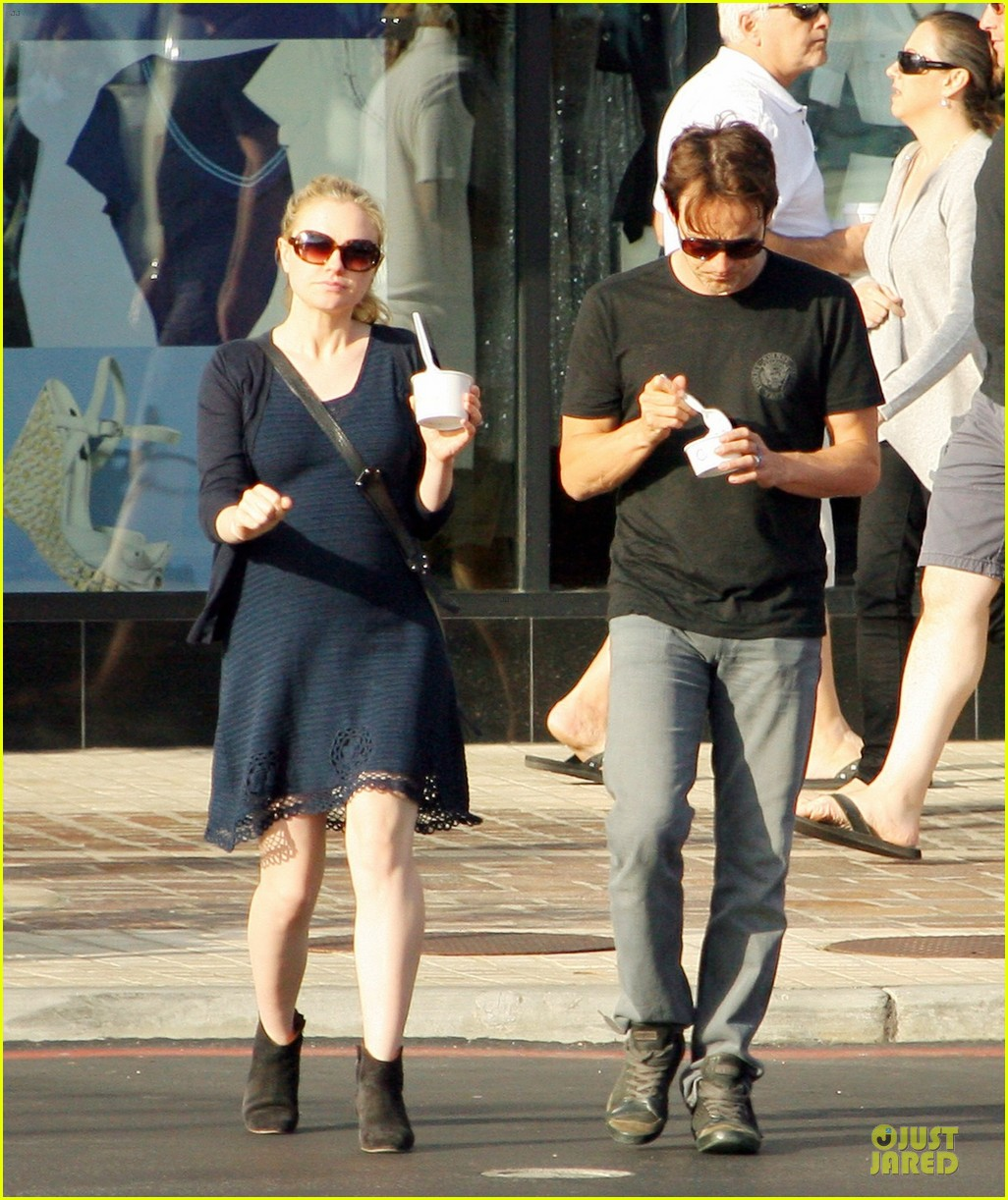 anna paquin pregnant pinkberry 07