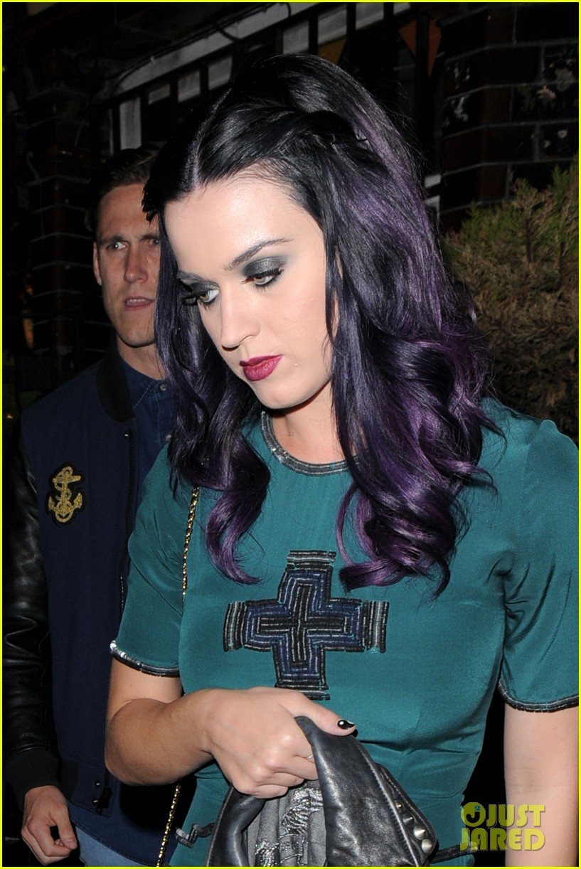 katy perry dove pub 04