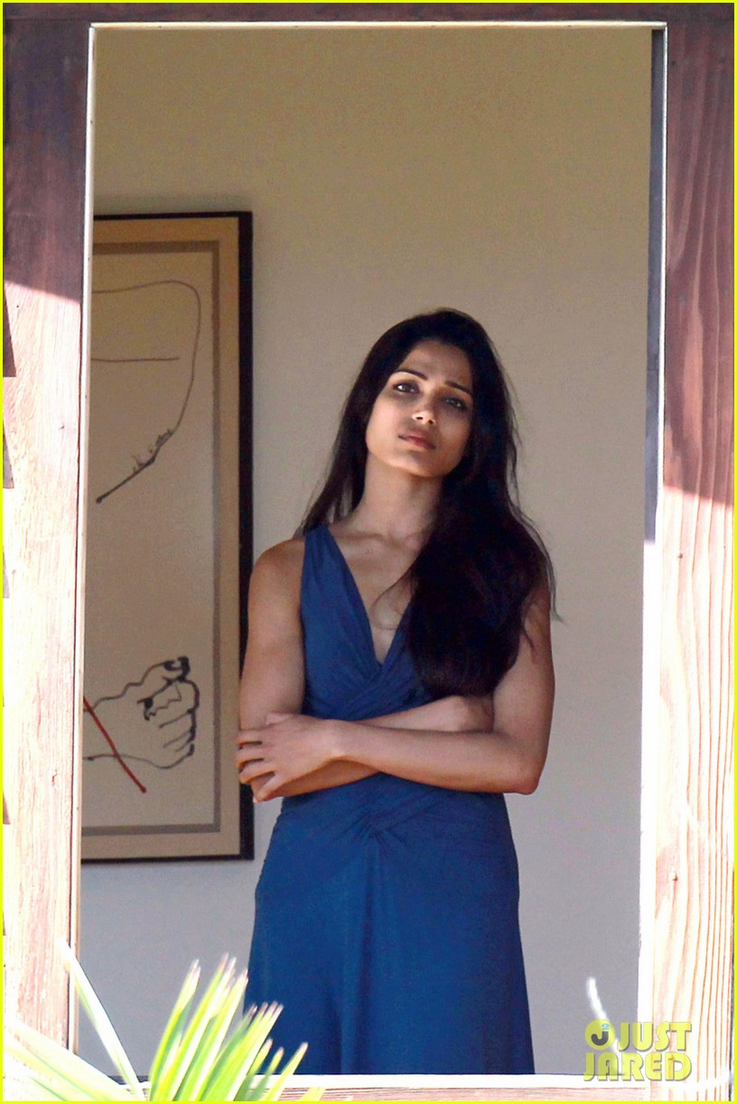freida pinto yoga knight of cups 052680405