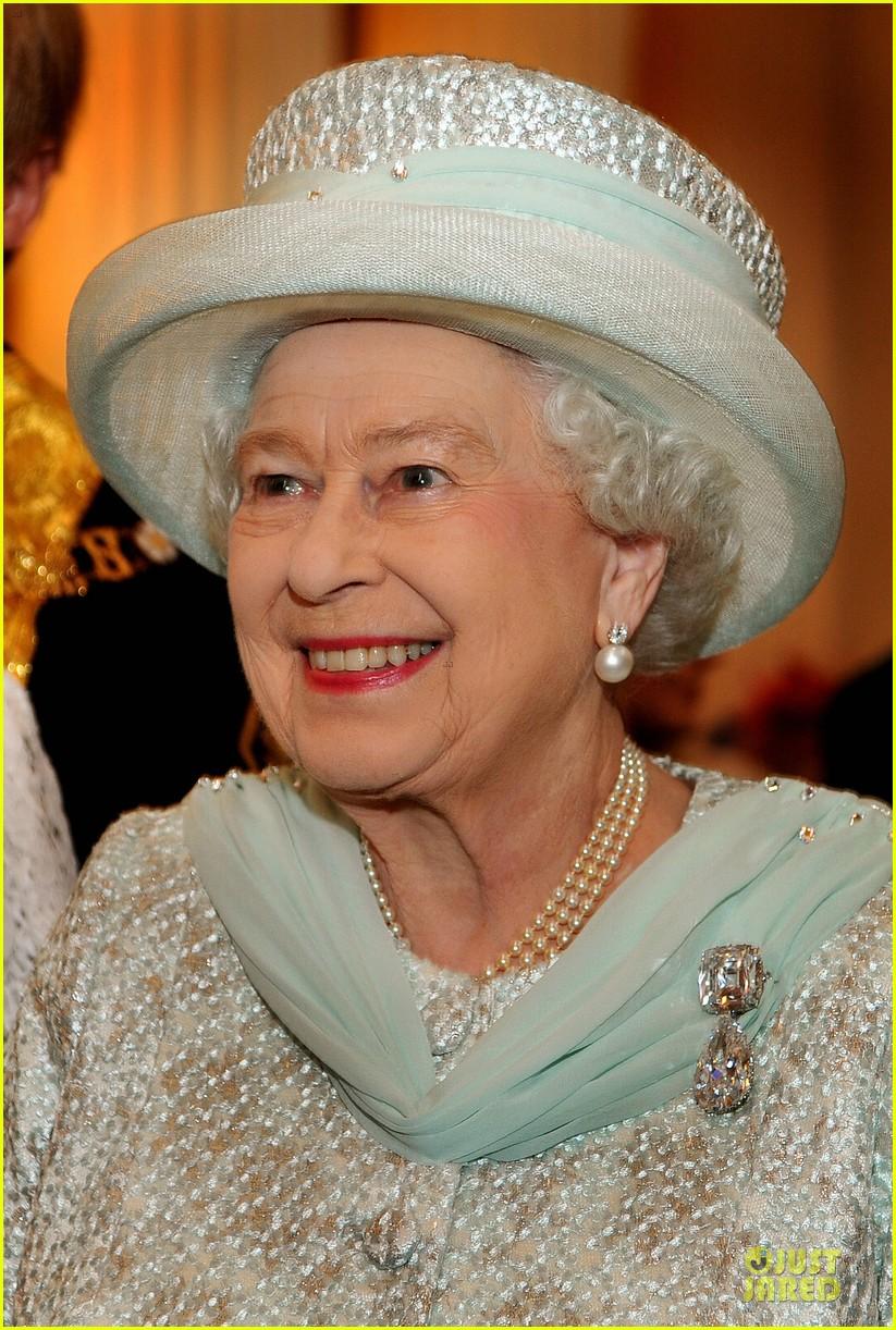 queen thanksgiving service 04