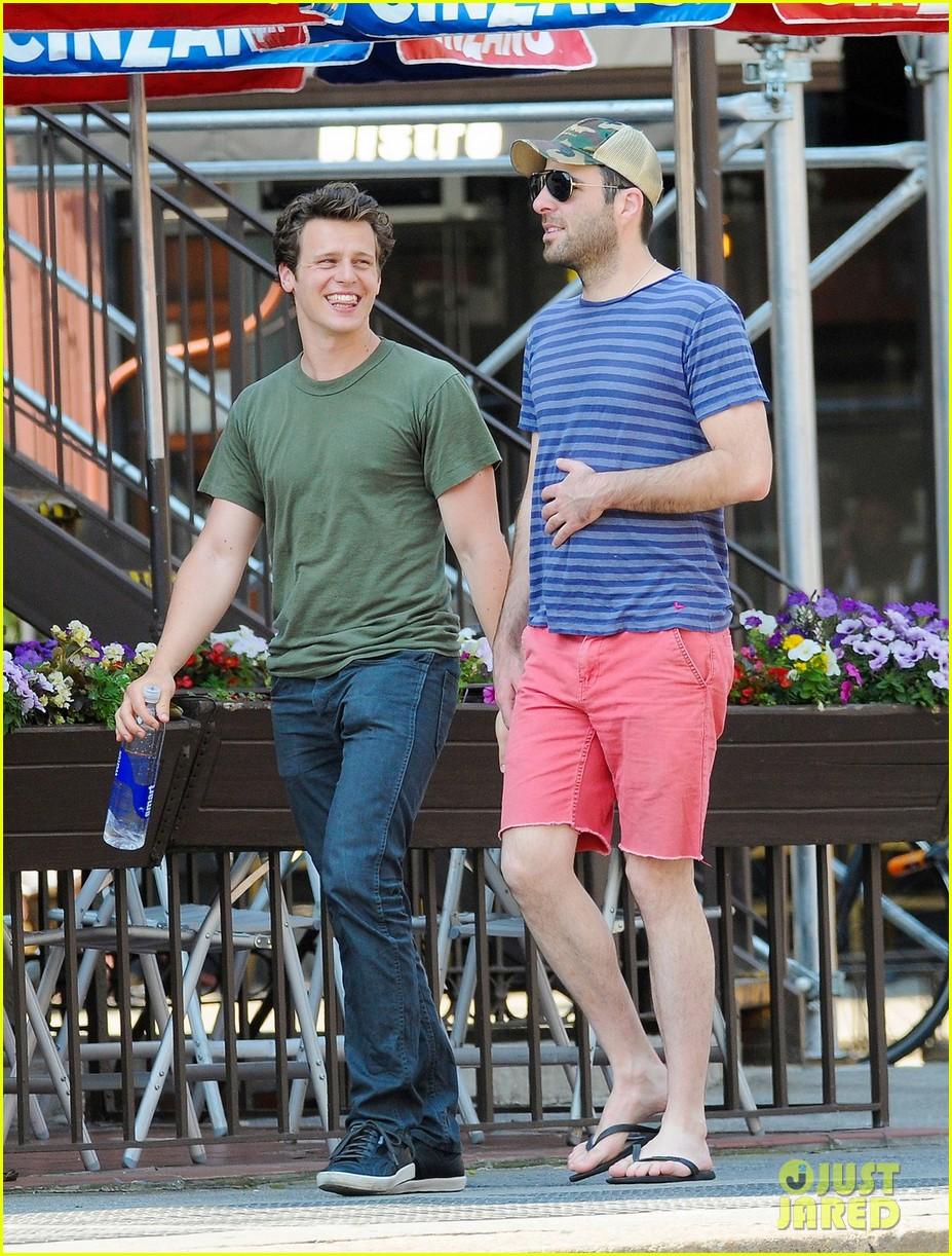 zachary quinto west village walk jonathan groff 03