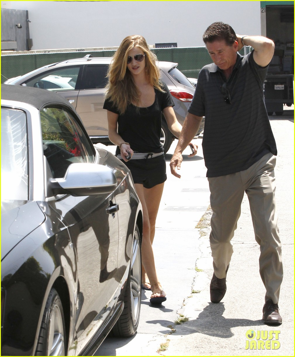 rhw going to gym 05