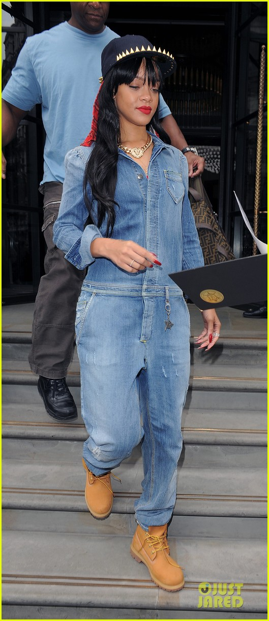 rihanna double denim london 08