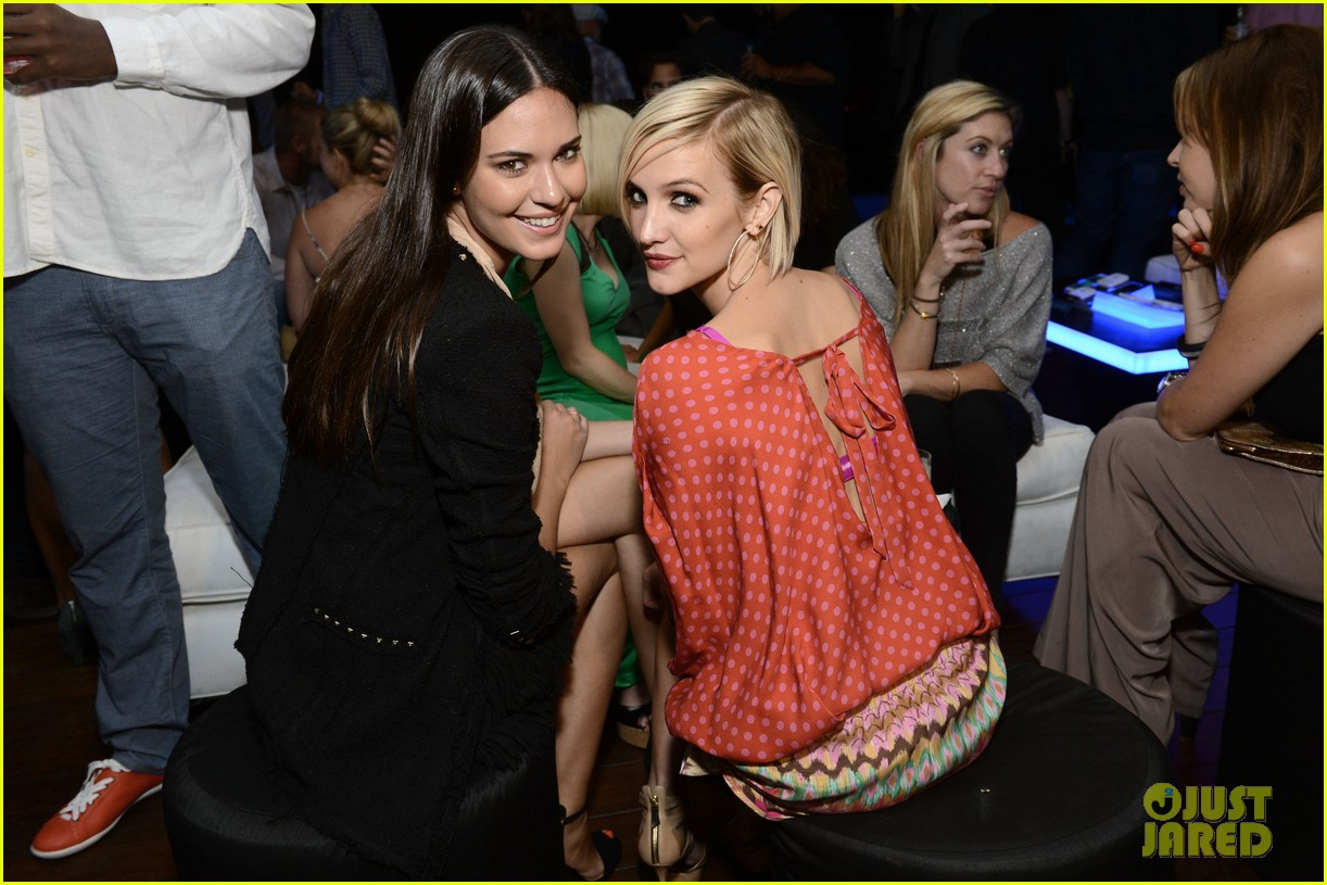 ashlee simpson anna faris samsung galaxy s iii launch 11