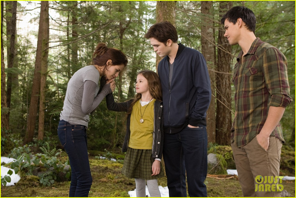 kristen stewart robert pattinson new breaking dawn stills 07
