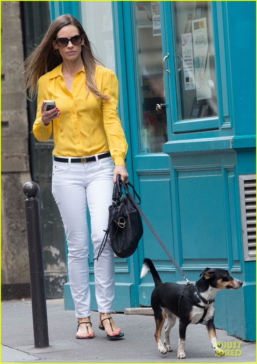 hilary swank mellow yellow paris 02