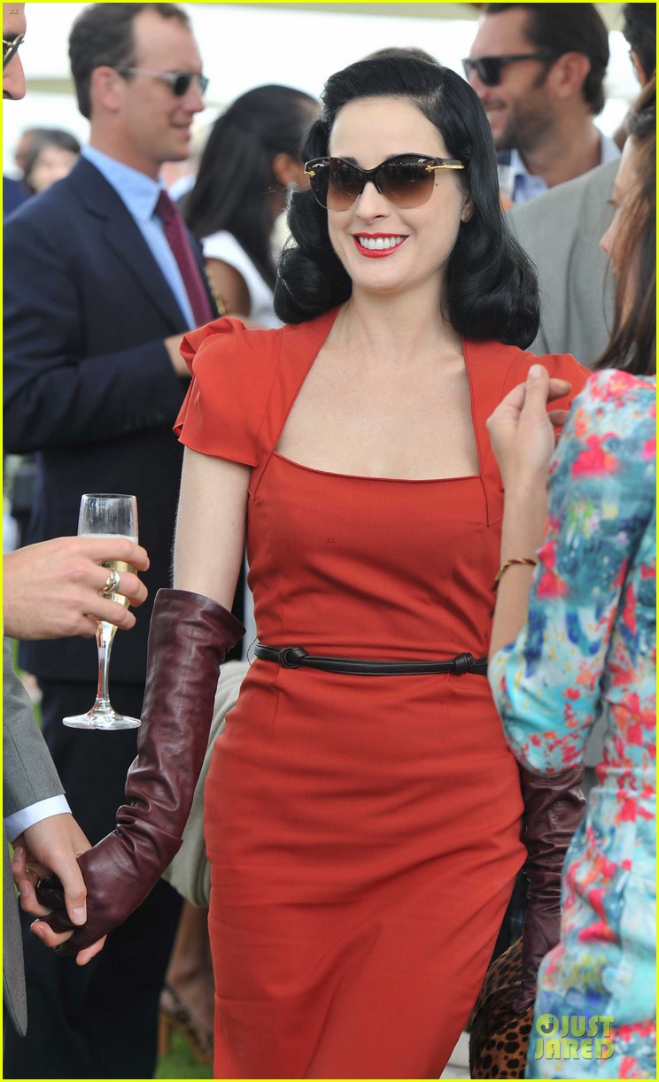 dita von teese douglas booth queens cup 052676717