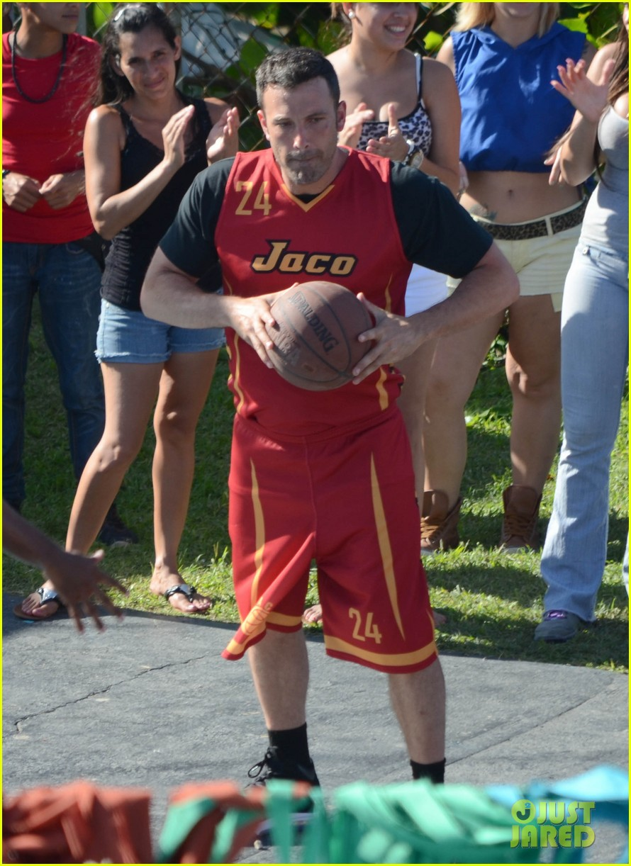 ben affleck runner runner basketball 17